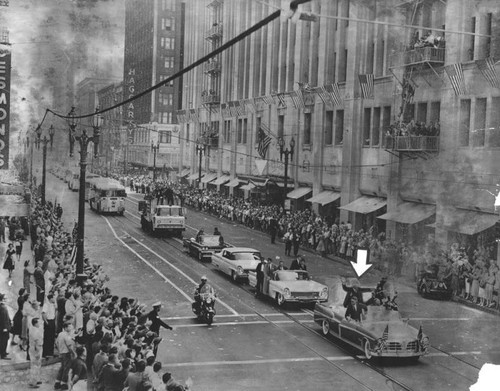 Ike parades down Seventh Street