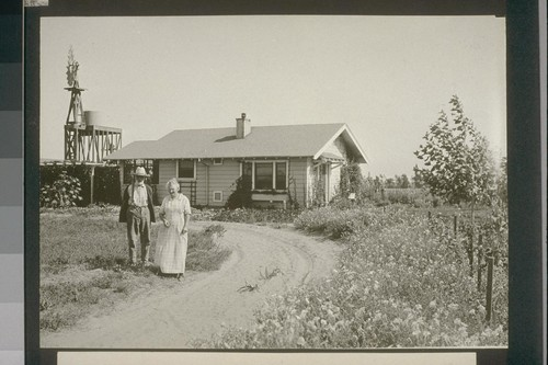 No. 235. Mr. and Mrs. Shattuck in their home, allot, 235. August 14, 1923