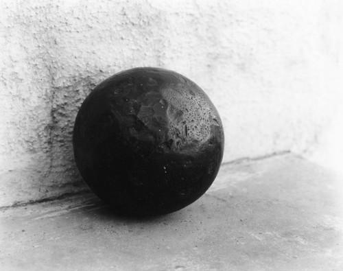 Calisphere large cast iron ball