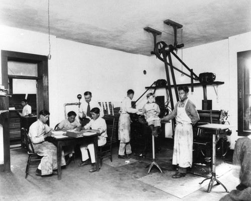 American Indian students in Print Shop