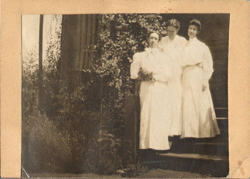 Photo of people not identified