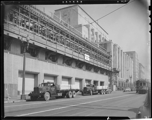 Los Angeles Times building construction, Spring between 1st and 2nd, Los Angeles. 1946