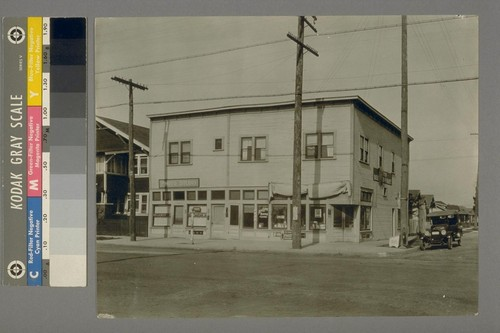 Taken Saturday, April 22nd, 1922. [Exterior, photography studio of Max W. Greene? 426 Compton Ave., Oakland?]