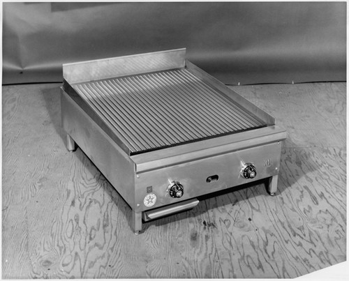 Superieur [Detail View Of Stainless Steel Tabletop Grill, Jade Range Inc.]