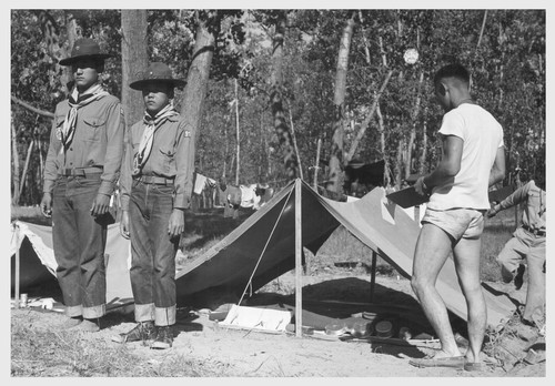 A 5-day Boy Scout Camp on the bank of the Mississippi River was composed of nearly a hundred boys from the Rohwer Center, a few less from the Jerome Center, together with a small group from the nearby town of Arkansas City.--McGehee, Arkansas. 8/10/43