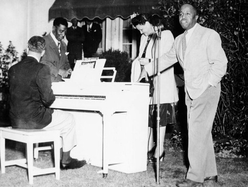 Eddie Green performs with Clarence Muse