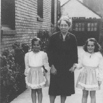 Francis (Jossie) Wiley Joslyn with her Two Grandaughters