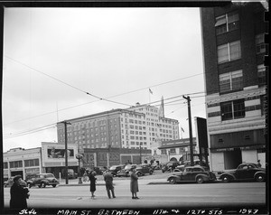 Main Street between 11th and 12th, Los Angeles, 1943