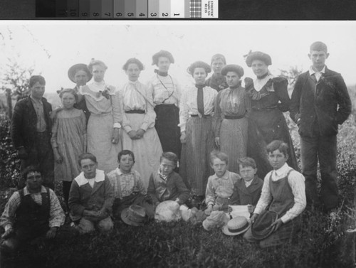 Portrait of Slough School students in 1868 in Sutter County (Calif.)