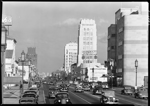 Traffic on Wilshire west of La Brea (looking east), 1939