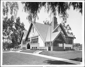 Exterior view of the Hollywood Branch of the Los Angeles Public Library (the Norman F. March section of the building?), ca.1906