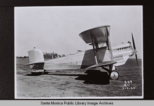 Douglas M-1 Mail Plane on Clover Field, Santa Monica, Calif., July 7, 1925