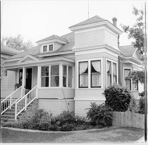 House at 32 Sixth Street