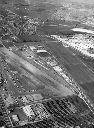 Blimp Over Hughes Airfield 1947