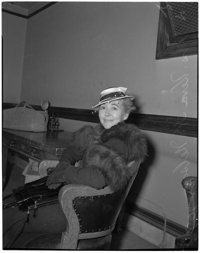 Veva K. Nelson, mother of 9-year-old actress Norma Gene Nelson, during a divorce and custody battle with her husband Norman, Los Angeles, 1940