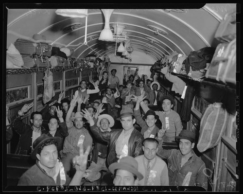 Mexican migrant workers travel by train to Los Angeles (Calif.)
