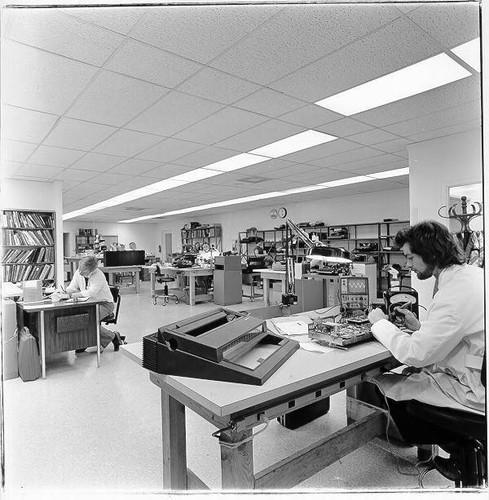 Image Repairing Typewriters At King S Office Supplies Santa Rosa