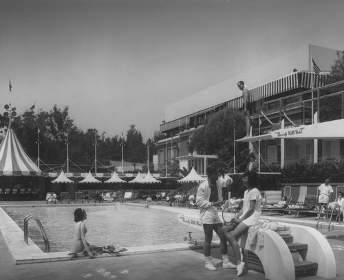Swimming pool at the Beverly Hills Hotel