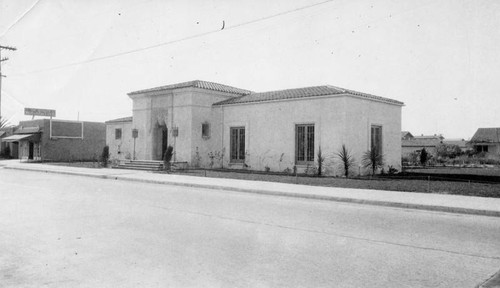 Exterior view, Wilmington Branch Library