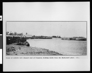 Entirely new channel cut by flood waters east of Compton looking north from Bosbyshell place, 1914