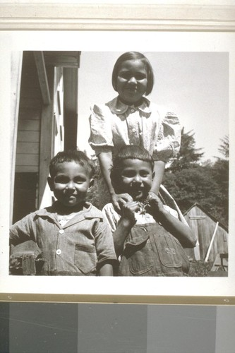 Lopez children, Smith River, Calif. June 18, 1938
