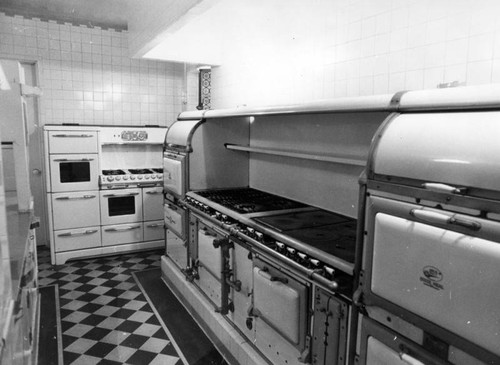 Harold Lloyd mansion kitchen