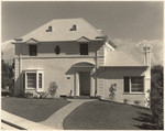 [Exterior full front view of Elmer and Edith Niemoeller residence, 3520 Holboro Drive, Los Angeles]
