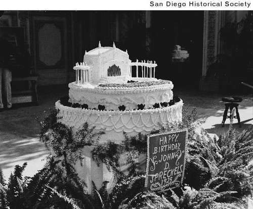 Admirable A Birthday Cake For John D Spreckels Topped With A Model Of The Personalised Birthday Cards Veneteletsinfo