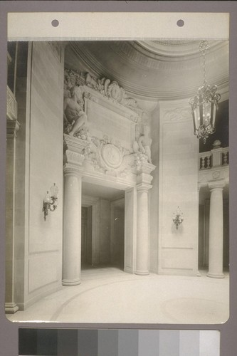 [Entrance to Board of Supervisors' chambers.]