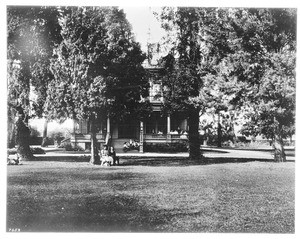 Exterior view of the Huntington residence (Judge O.W. Childs Place), Los Angeles, ca.1908
