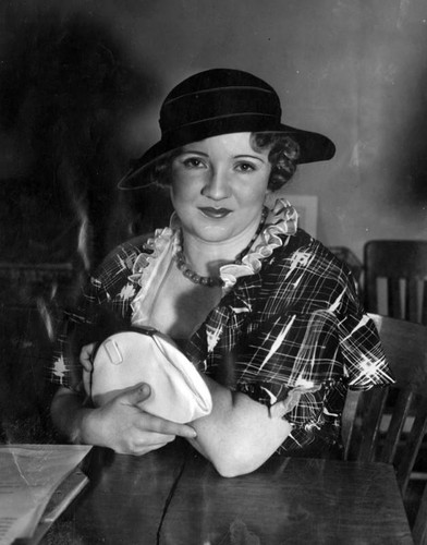 Mary Miles Minter in theft dispute