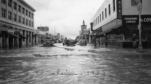 Flood of 1938, Looking South on Los Angeles Street, Anaheim. [graphic]