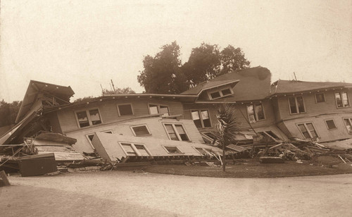 Collapsed Building in San Jose, 1906