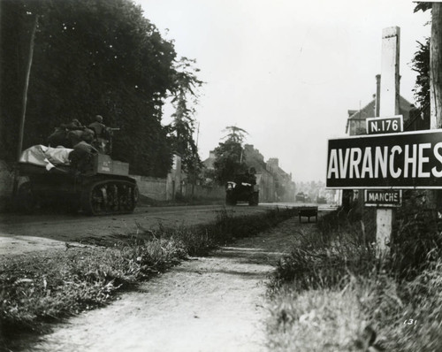 Research photo: US Army tanks push into Avranches, France, 1944