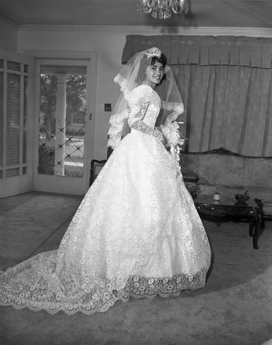 Calisphere: Rose Thomas\' wedding, Los Angeles, 1963