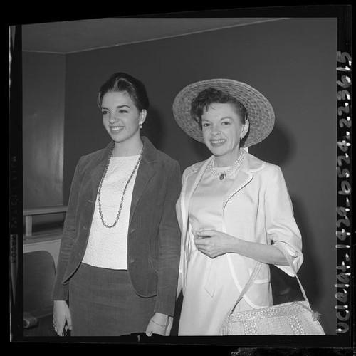 Calisphere: Judy Garland posing with daughter Liza Minnelli