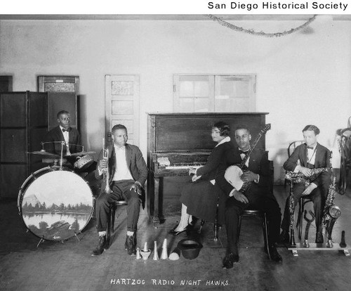 Group portrait of the Hartzog Radio Night Hawks band
