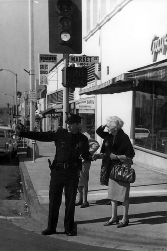 Inglewood Downtown, foot officer