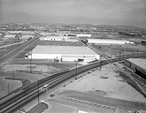 Washington Boulevard and Garfield Avenue, Central Manufacturing District, looking northeast