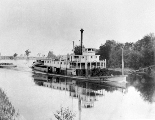 Steamboat on the Sacramento River