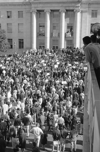 Crowd in front of Sproul Hall steps