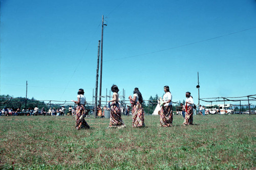 Dancers performing at the Pomo weekend