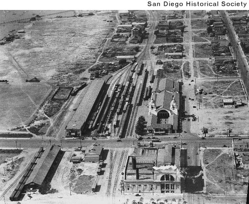 Aerial View Of The Santa Fe Depot And San Diego Gas And Electric Building Looking North Calisphere