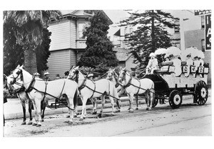 Chamber of Commerce Float for Los Angeles' La Fiesta Parade, ca.1901