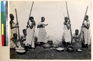 Preparing the meal, Ghana, ca.1885-1895