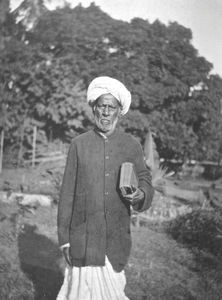 Madras, Arcot, South India. Evangelist Devasigamoni on a preaching tour with sale of books