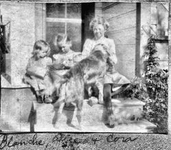 Blanche Riddell, Alice Riddell and cousin Cora Miller, about 1905