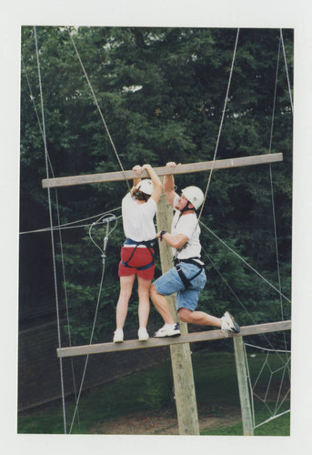 Colleges and schools-College of Health and Human Services-Experimentally Designed Group Effort EDGE ropes course 044
