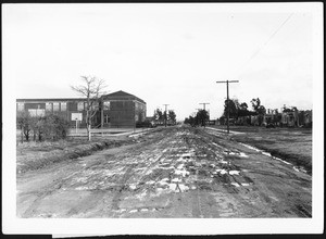 View of 98th Street looking east from Figueroa Street prior to construction of double roadway pavement