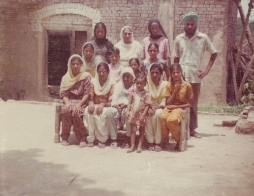 Amar Kaur Group Photo In India